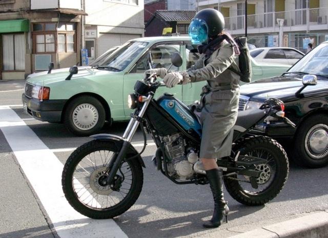 自転車の 自転車 通勤 服装 女子 : バイクファッション バイク ...